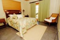 13_bedroom